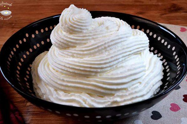 Cómo montar nata o crema batida y quede firme
