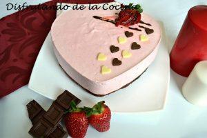 Cómo hacer mousse de fresa con brownie de chocolate fácil