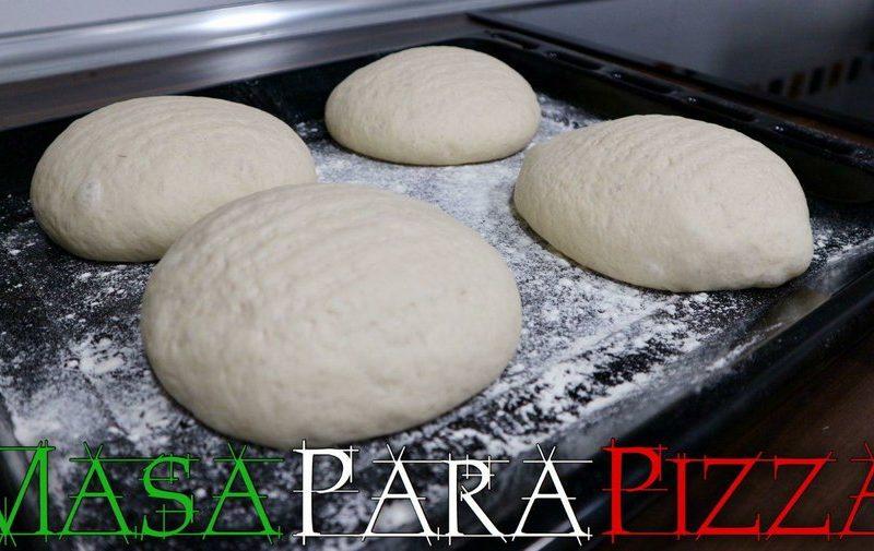 Cómo hacer masa de pizza fina y crujiente fácil