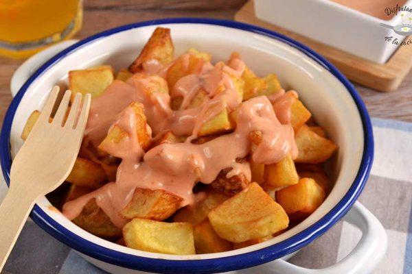 Como hacer patatas bravas caseras faciles