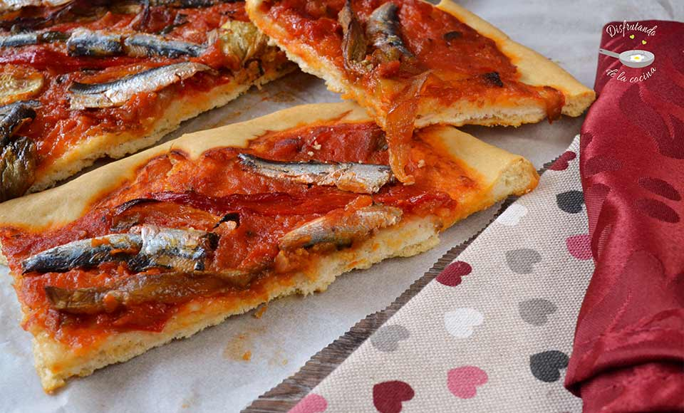 Cómo hacer coca de sardinas