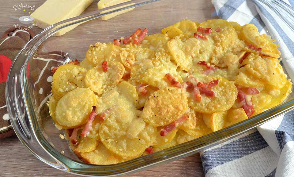 patatas al horno con bacon y queso