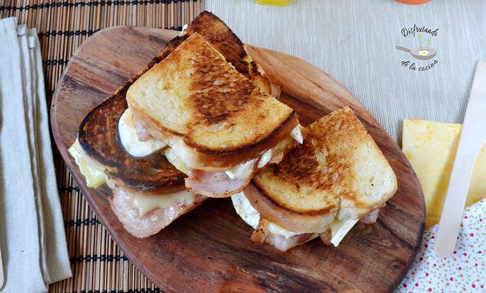 sandwich con huevo