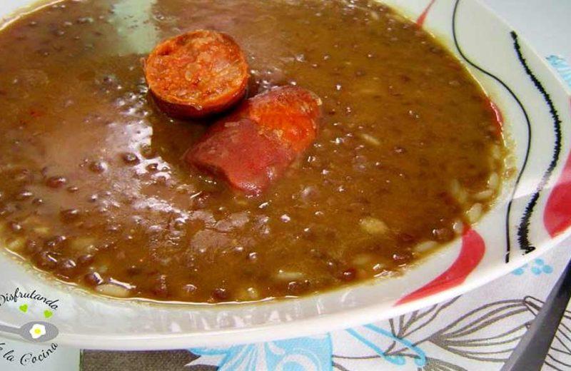 Receta de lentejas con arroz y chorizo