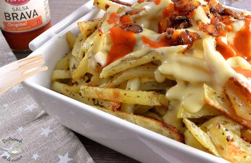 Receta de patatas bravas con salsa de queso