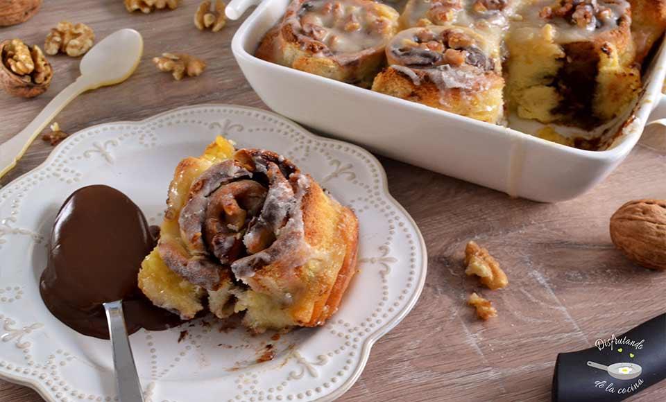 Receta de rollitos de pan, chocolate, platano y nueces