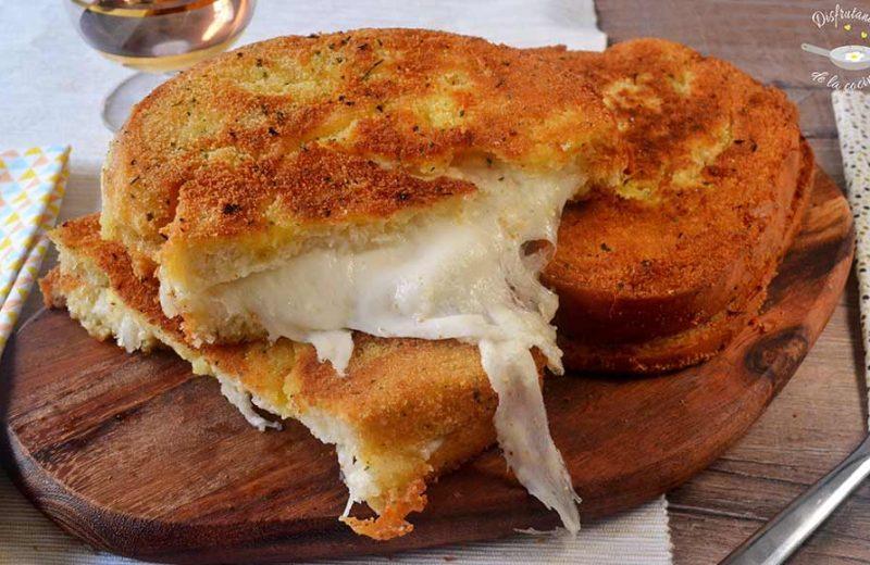 Receta del sandwich frito de mozzarella o mozzarella in carrozza
