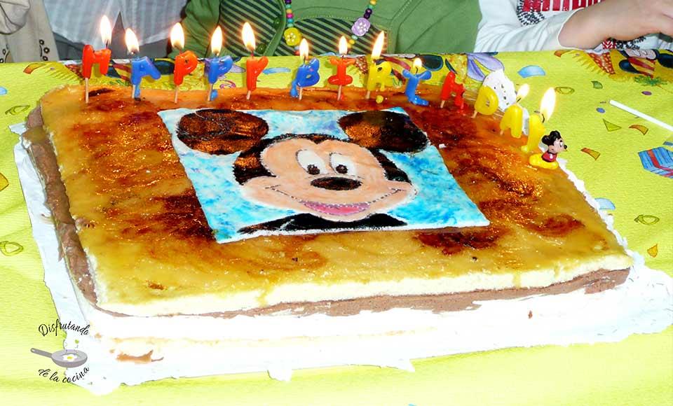 Receta de pastel Massini del Mickey Mouse en fondant pintado a mano