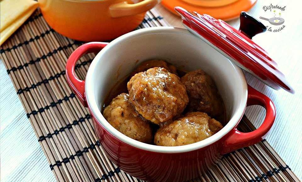 Receta de albóndigas en salsa rápida caseras