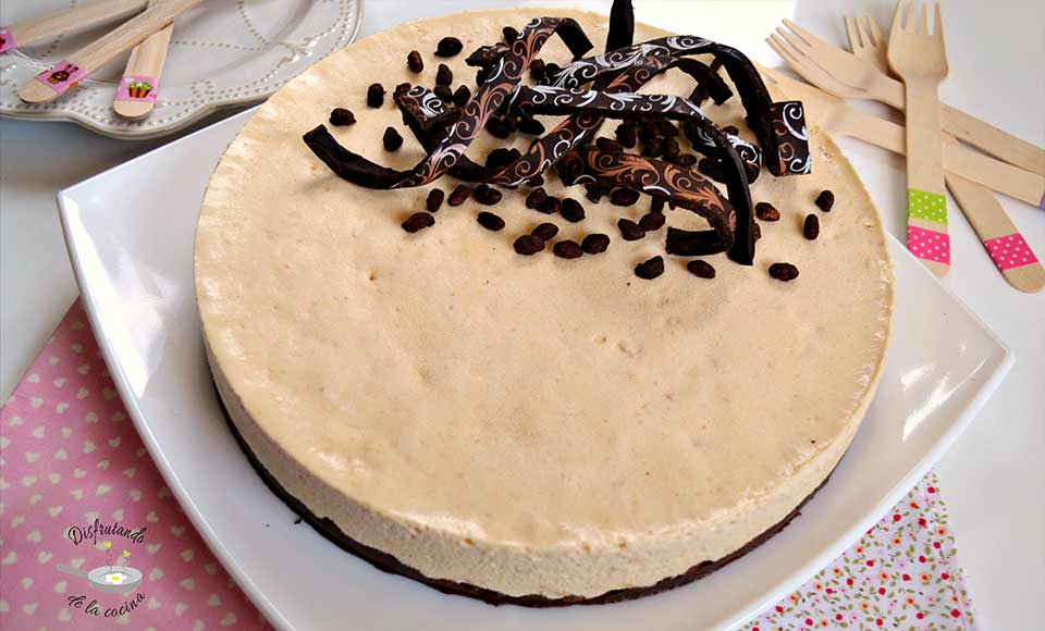 Receta de bavaresa de turrón de Jijona con crujiente de chocolate