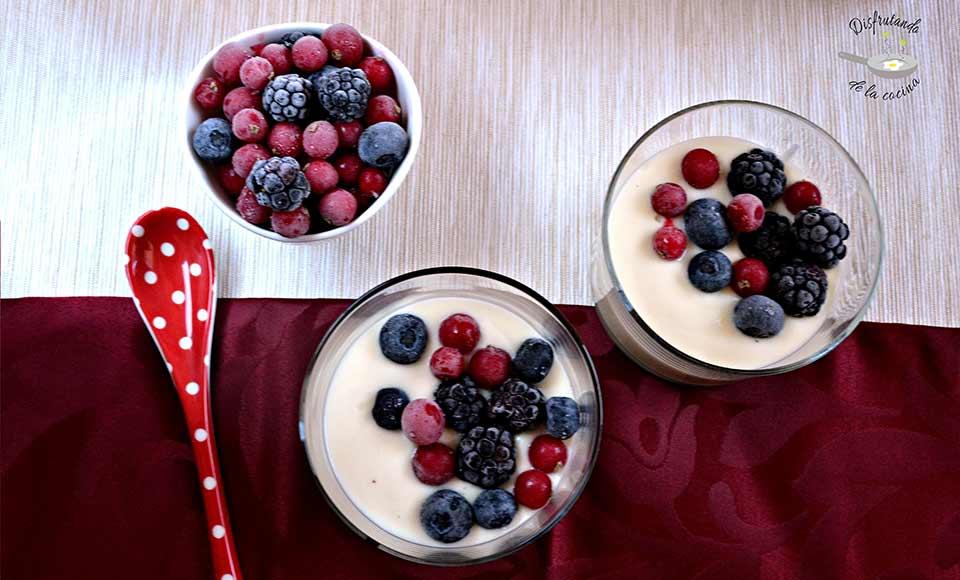 Receta de chupito de chocolate blanco con frutos rojos