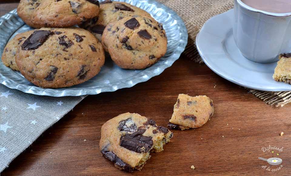 Receta de cookies de chocolate y avellanas caseras