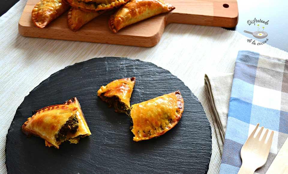 Receta de empanadillas de espinacas y tomate al horno