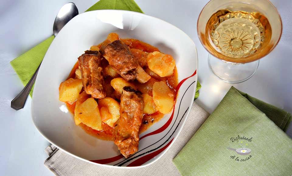 Receta de guiso de patatas con costilla de cerdo