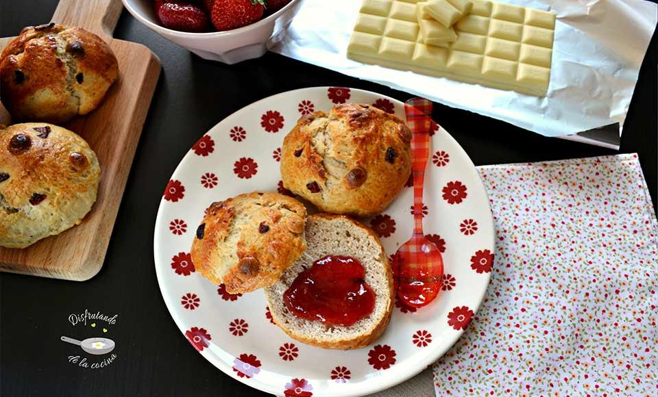 Receta de panecillos de fresas y chocolate blanco