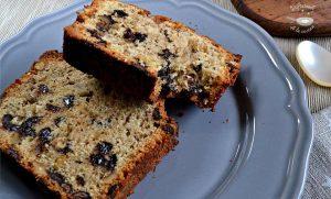 Plum cake con pepitas de chocolate y nueces (Postre fácil)