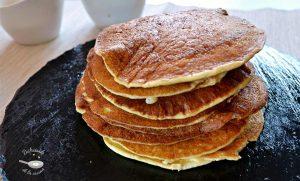 Tortitas de patatas y cebolla o pancakes de tortilla de patatas