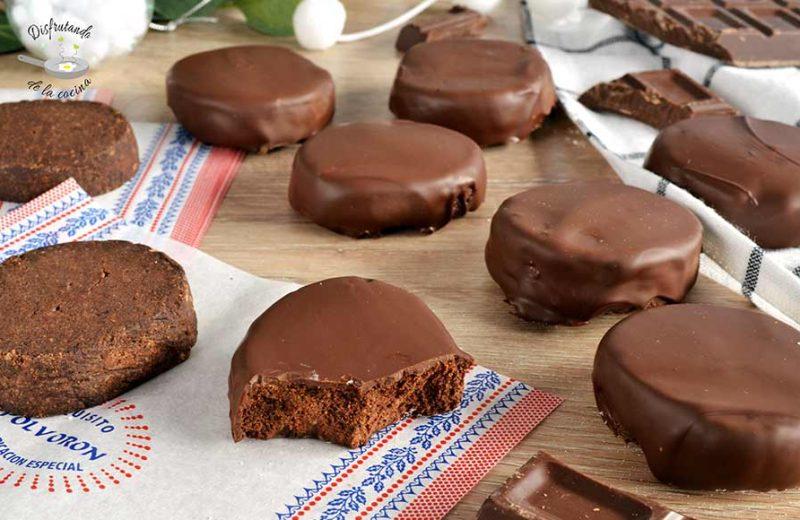 Receta de polvorón de chocolate casero bañado de chocolate o polvorón bombón de chocolate