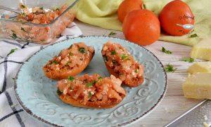 Brushetta o tosta de tomate y queso