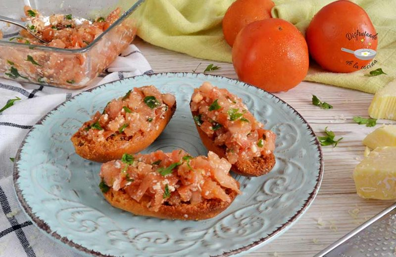 Receta de brushetta o tosta de tomate y queso