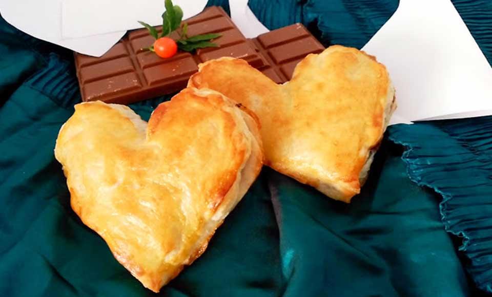 Receta de corazones de hojaldre rellenos de chocolate