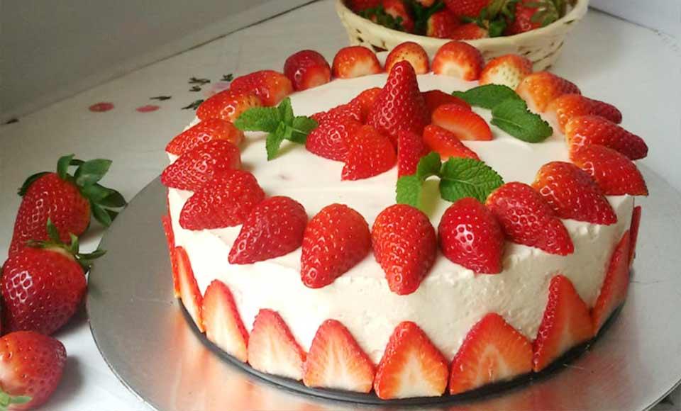 Receta de Tarta de fresas y nata